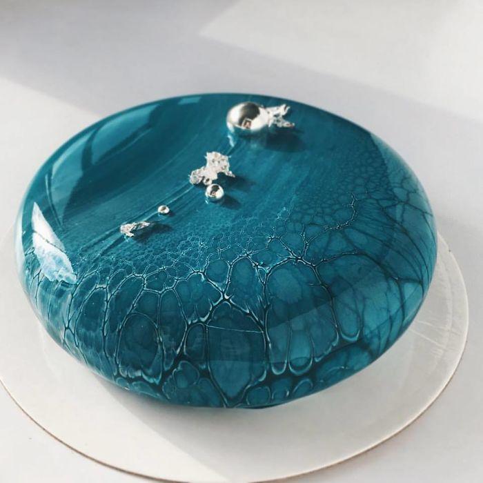 Торты как искусство, покрытые зеркальной глазурью, от Ксении Пенкиной (10 фото)