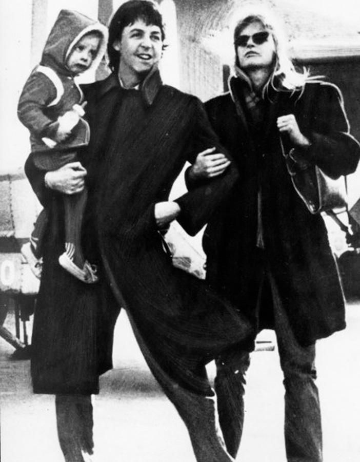 Семья Маккартни в Токио в 1980 году.