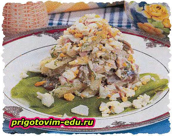 Салат со свининой и сельдью