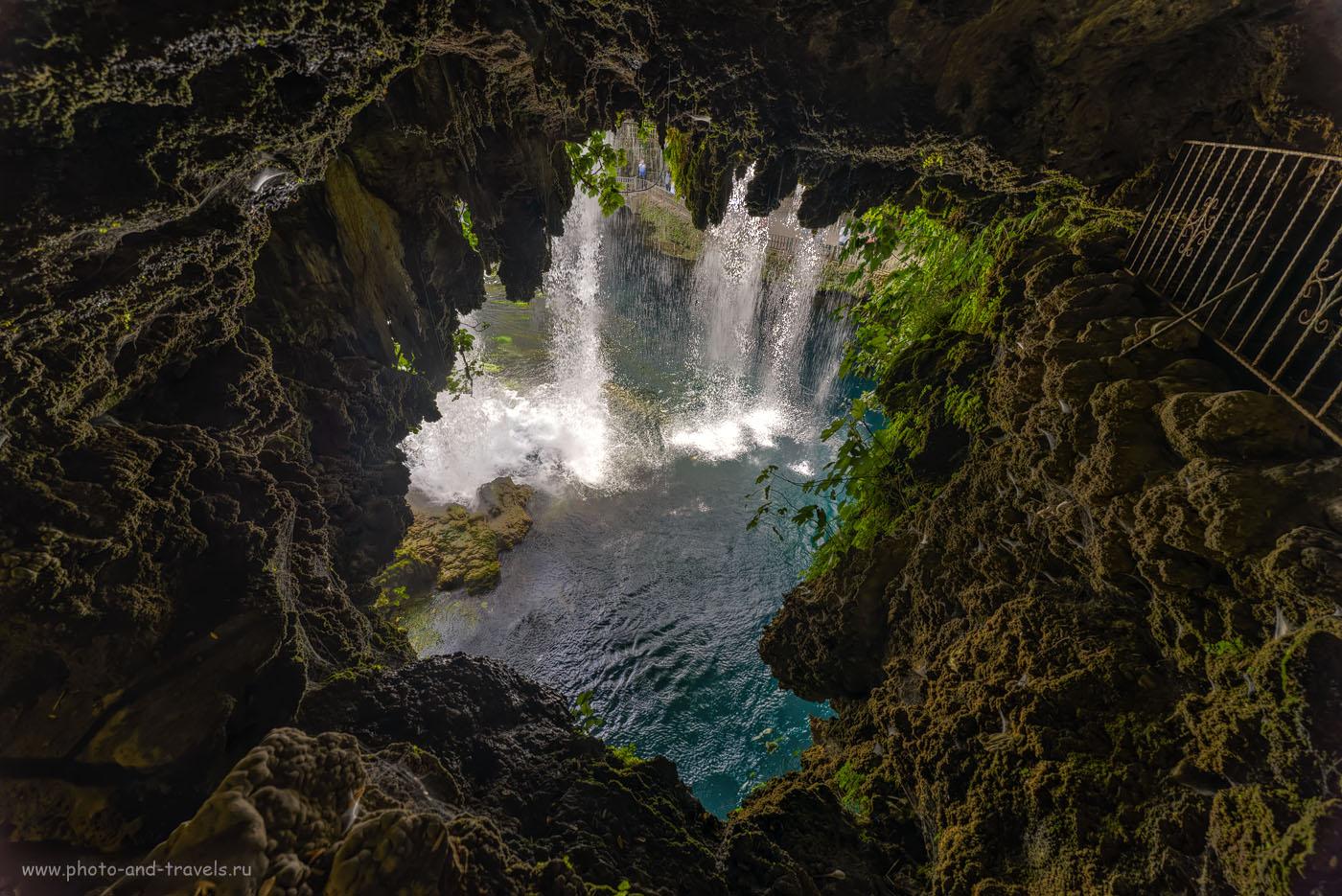 Фотография 14. Вид на Верхний Дюдениский водопад со стороны грота. Отчеты туристов об отдыхе в Турции дикарями. HDR из 3-х кадров. Снято на Nikon D610 со сверхширокоугольным объективом Samayng 14mm f/2.8 с использованием карбонового штатива Sirui T2204X-G20KX.