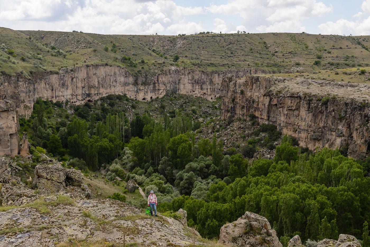 Фото 11. Такие красоты могут увидеть туристы во время экскурсии по долине Ихлара в Каппадокии. Отчеты путешественников о поездке по Турции на авто. 1/400, -1.67, 8.0, 320, 40.