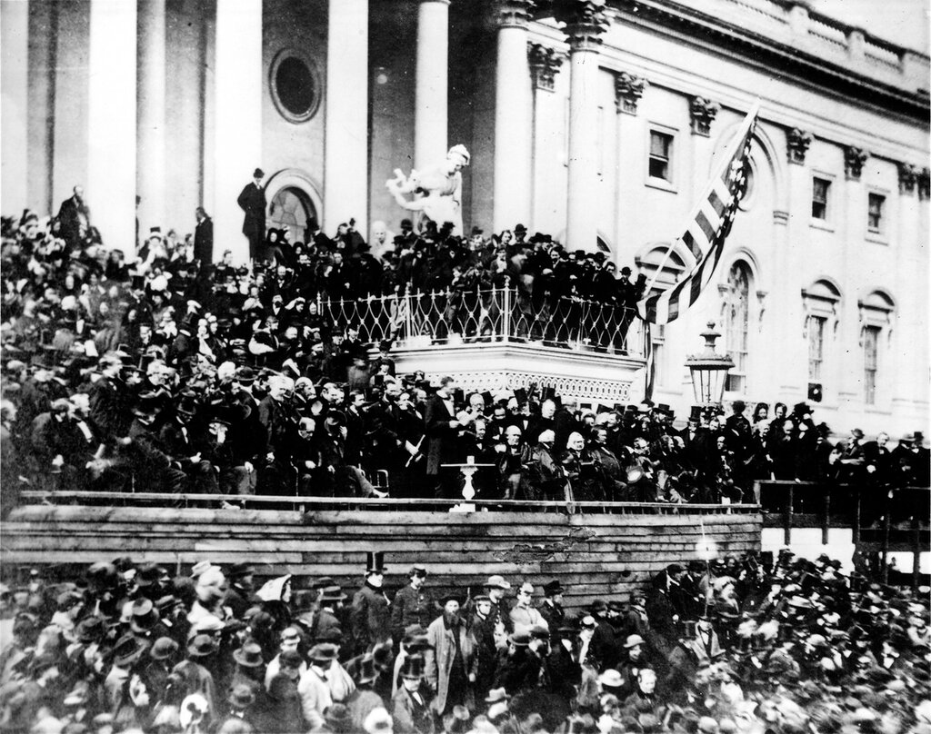 Abraham_Lincoln_giving_his_second_Inaugural_Address_(4_March_1865).jpg