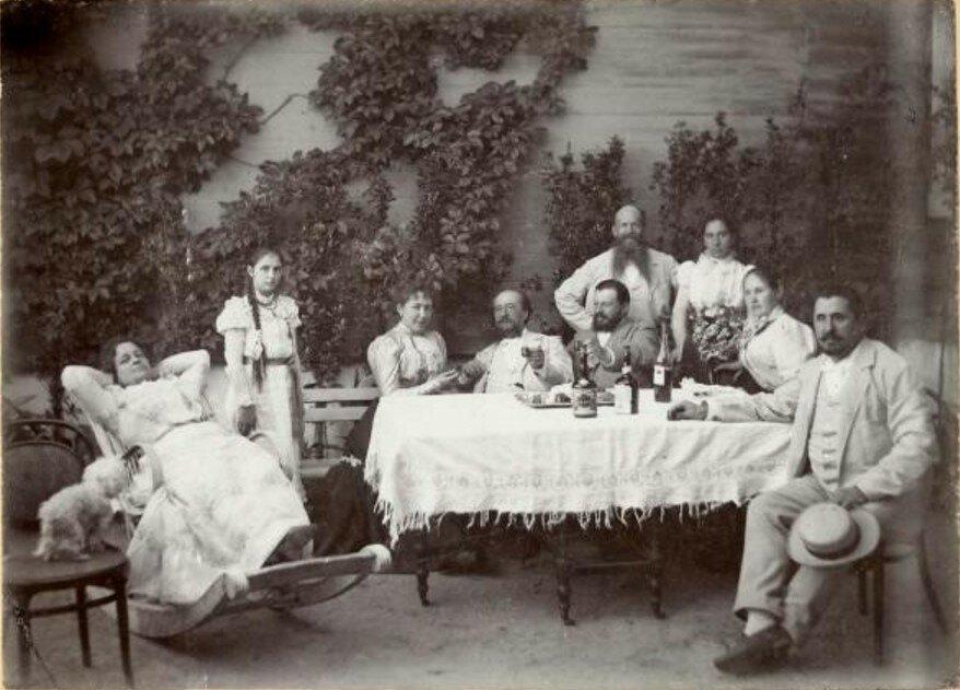 1900-е. Семья на даче