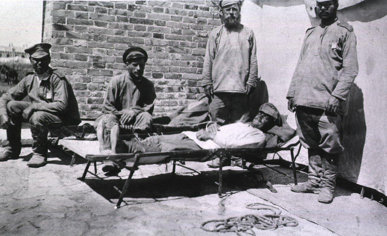 Земский Госпиталь Красного Креста. Носилки