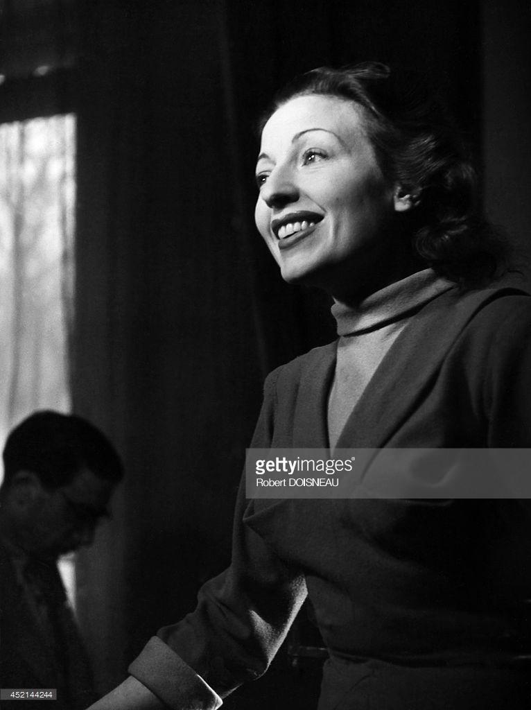Французская актриса и певица Жермен Монтеро