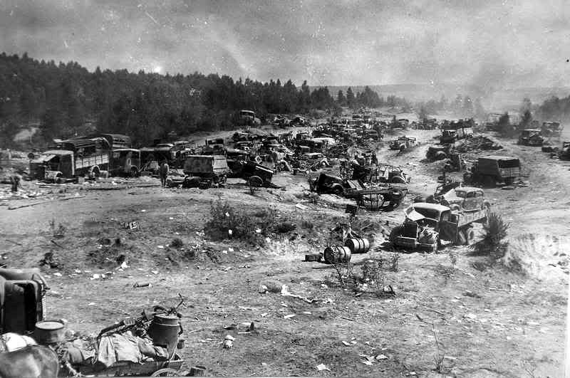 194407_abandoned_german_vehicles_belarus_(revised).jpg