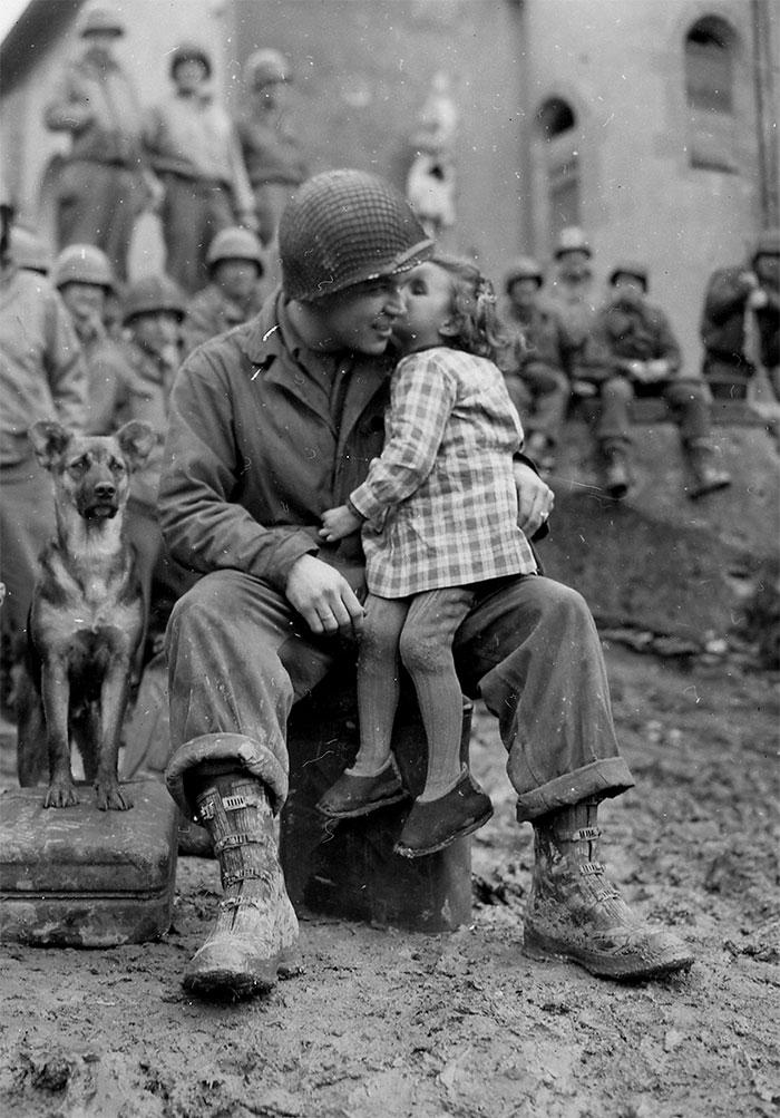 10 трогательных исторических фотографий