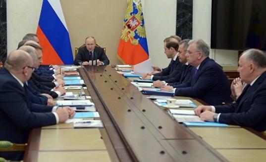 Владимир Путин заявил о давлении третьих стран на партнеров России в военной сфере