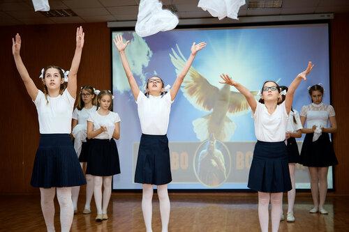 Конкурс патриотической песни в гимназии №38. Февраль, 2018
