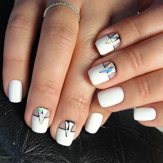 15+ идей потрясающего маникюра на короткие ногти этой весной! (21 фото)