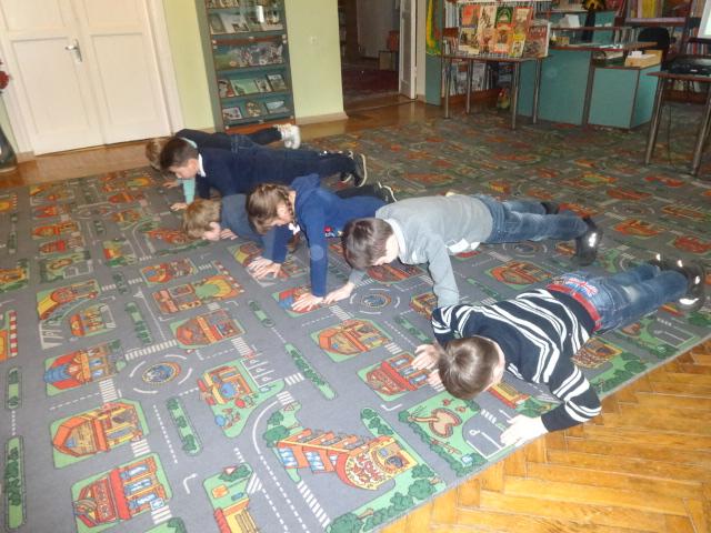 день защитника отечества, донецкая республиканская библиотека для детей, патриотические занятия с детьми, отдел обслуживания дошкольников и учащихся 1-4 классов