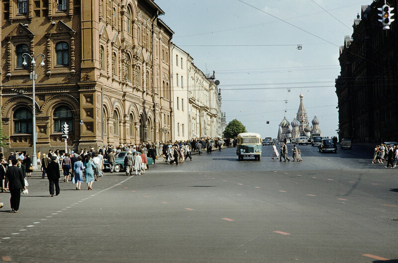 1959 Исторический проезд. Harrison Forman.jpg