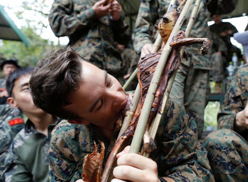 Тайские инструкторы провели курс выживания в джунглях для американских солдат