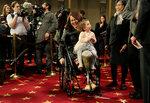 Сенатор Тэмми Дакварт со своей дочерью Эбигейл на открытии 115-го заседания Конгресса в Вашингтоне, 3 января 2017 года. Фото: Joshua Roberts / Reuters