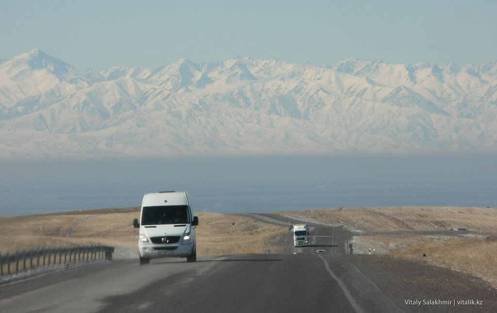 Горы на бишкекской трассе