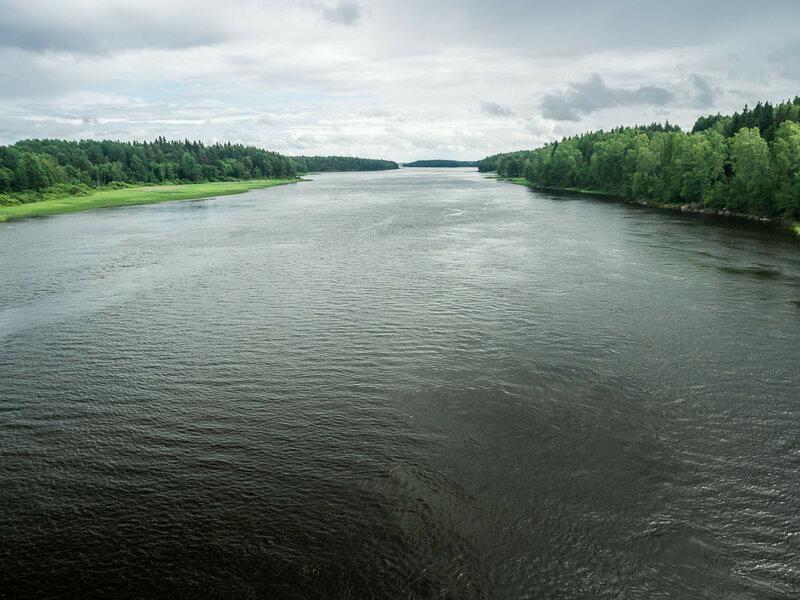 """Если в <a href=""""/trips/russian_north/entry10/"""">Псковской области</a> твоим вечным спутником является река Великая, то на перешейке это Вуокса."""