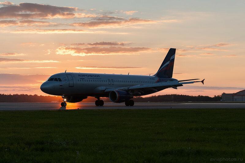 Airbus A320-214 (VQ-BCM) Аэрофлот 0865_D703738