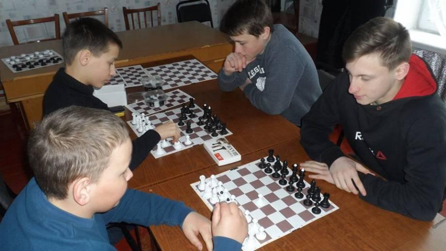 На Днепропетровщине активисты ДВИЖЕНИЯ НОВЫХ СИЛ помогают развитию спорта в сельских школах