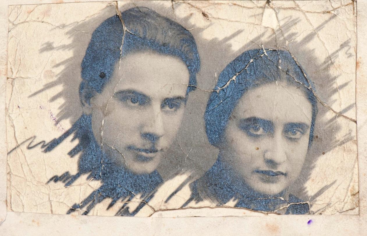 1926. Фото жены Генерального секретаря ЦК ВКП (б) И. В. Сталина Надежды Аллилуевой и его старшего сына Якова Джугашвили. 1 января