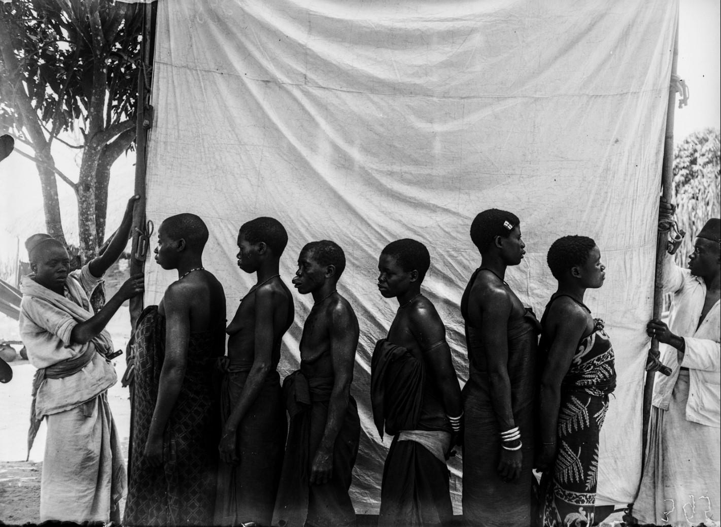 33. Антропометрическое изображение шести женщин макуа