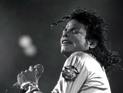 Майкл Джексон посмертно заработал 825 млн долларов