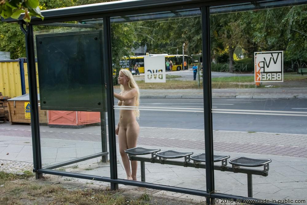 Голая Jennifer в Берлине