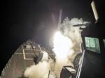 USS Росс (DDG 71) наносит удар Томагавками по Сирии 6 апреля 2017.png
