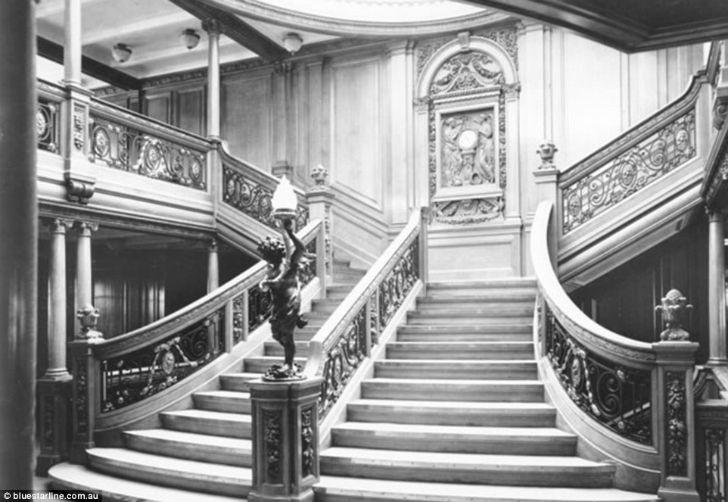 И главная лестница «Титаника», которой могли пользоваться только пассажиры первого класса.