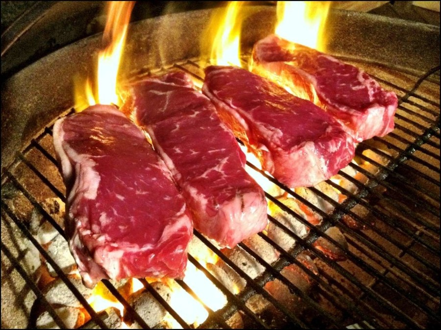 9. Недожаренное или недоваренное мясо Несмотря на великолепный вкус сыроватого мяса, желательно избе