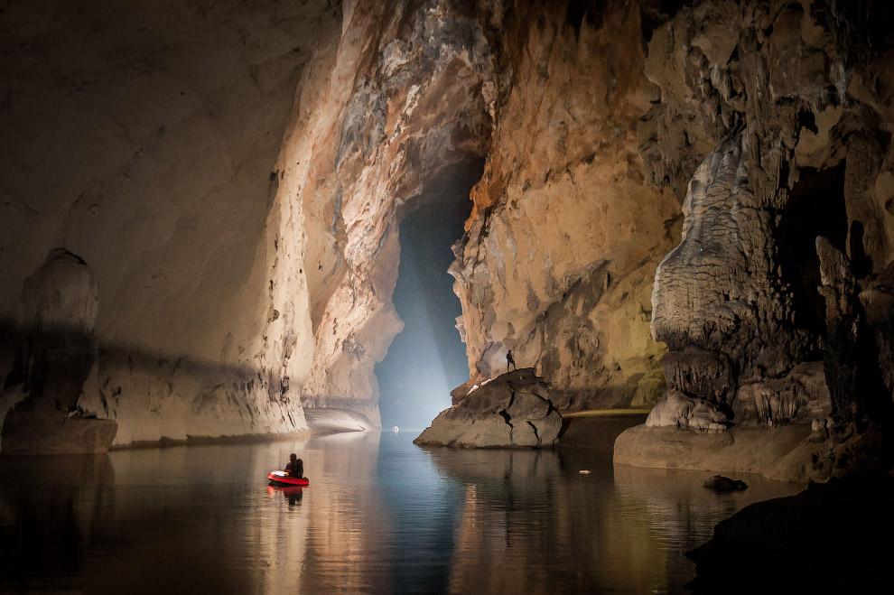 5. Кстати, пещеры есть не только на Земле, они обнаружены на Луне и Марсе . По всей видимости,