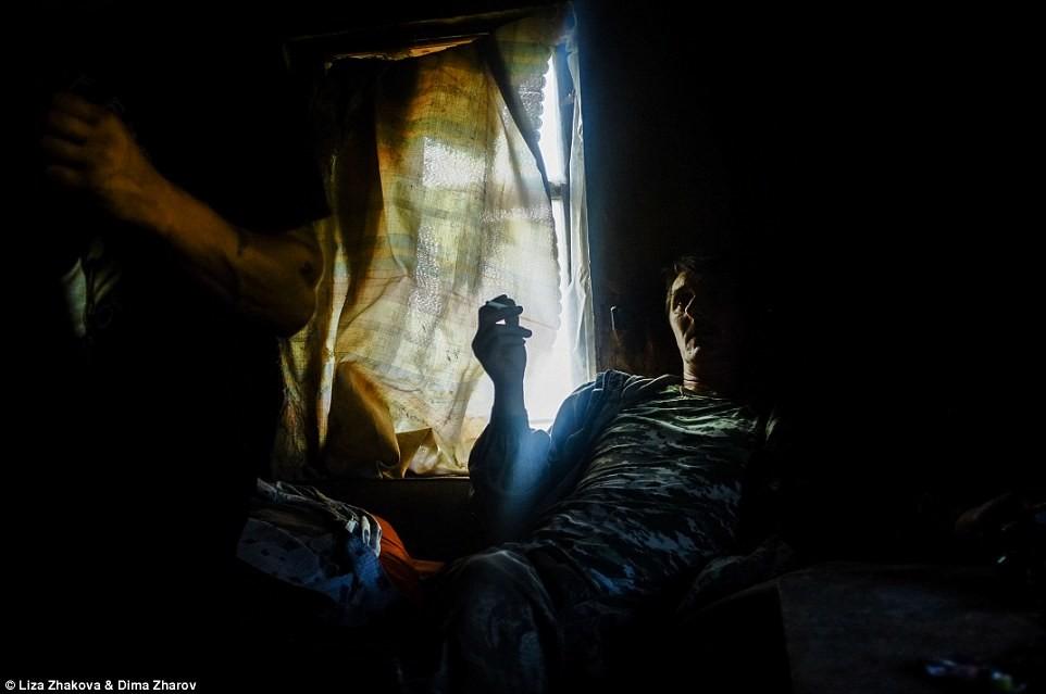 У Леши 10 детей от трех разных жен, все они уехали из деревни Один из людей, оставшихся в деревне, ч