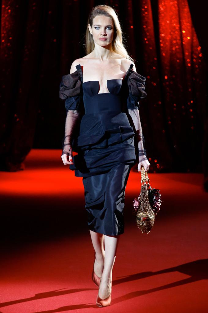 Неделя высокой моды в Париже: Ulyana Sergeenko весна 2017 (10 фото)