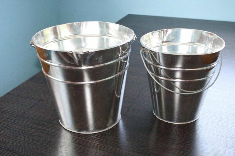 Відро (посудина для рідини з дужкою)