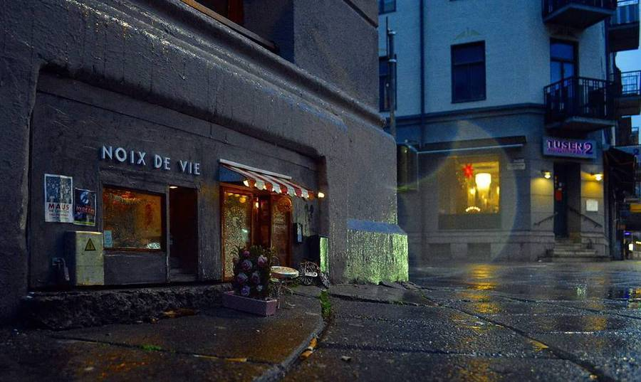 Cute Tiny Shops Created at the Bottom of Buildings (6 pics)