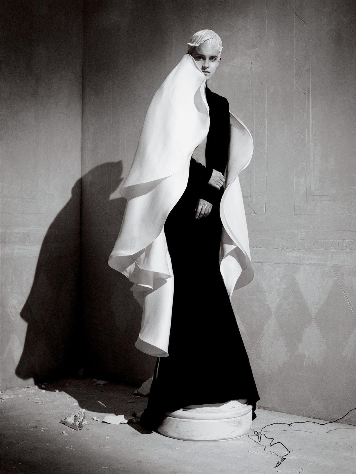 Бунтующая красавица Эмма Уотсон / Emma Watson by Tim Walker - Vanity Fair march 2017