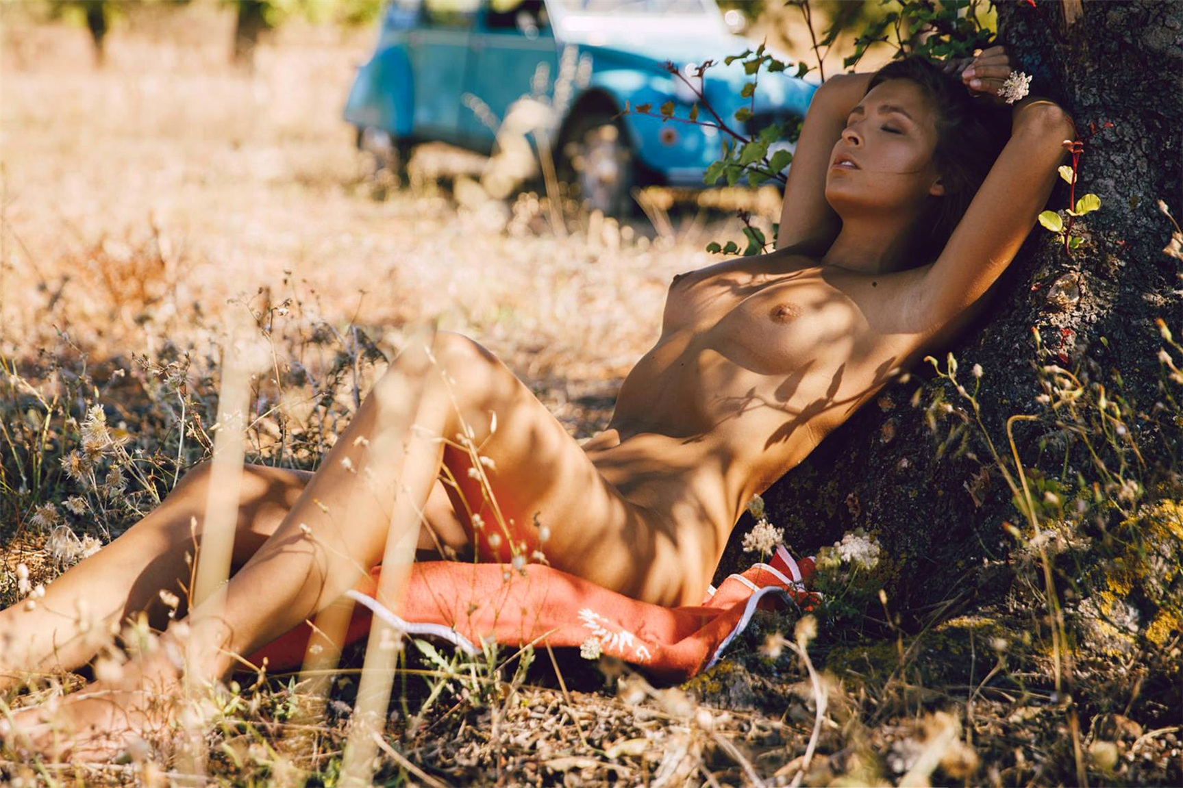 на природе с Марисой Папен / Marisa Papen nude by Jörg Billwitz - French Picnic