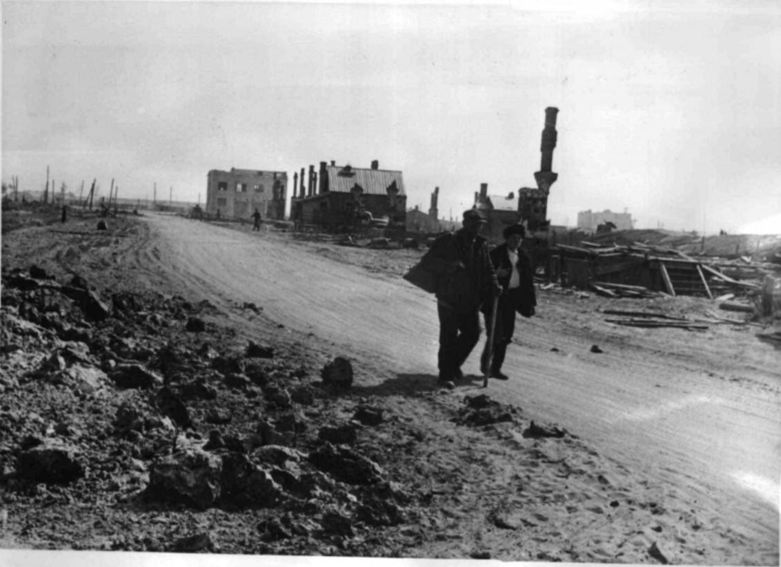 1942. Беженцы покидают Сталинград