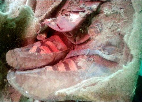 Монгольская мумия оказалась обута в «адидасовские» ботинки