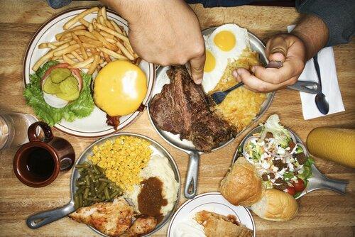 Жирная пища вредит мозгу и вызывает диабет