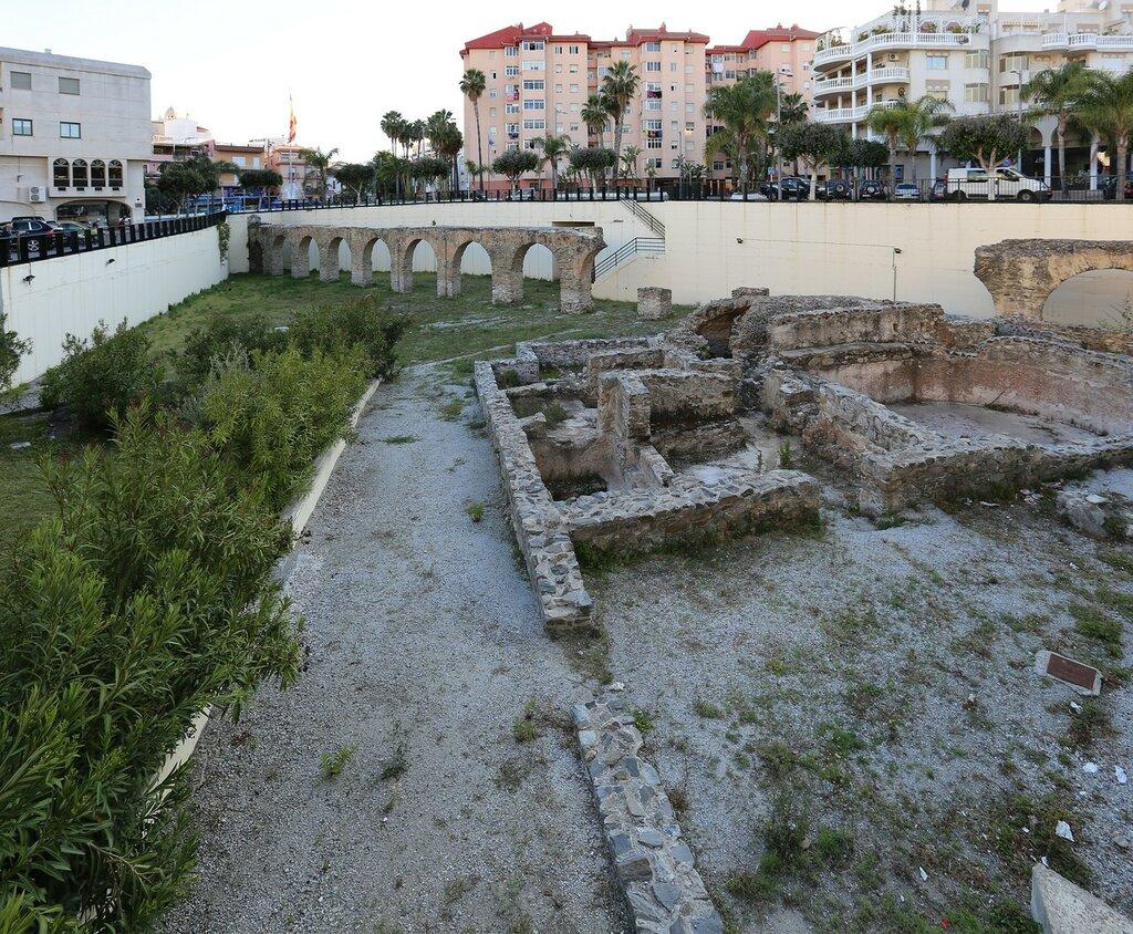 Альмуньекар. Акведук и римские бани (Acueducto y termas romanas)