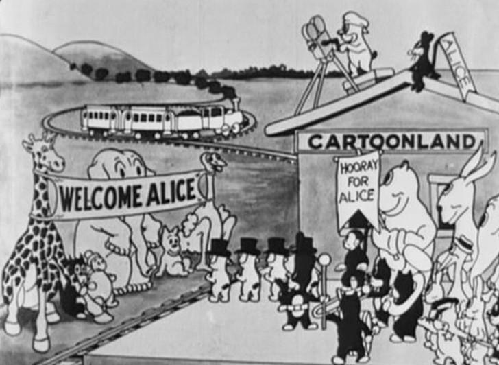 Черно-белая Алиса «Алиса в Стране чудес» была не первой попыткой Диснея снять фильм по книге Льюиса