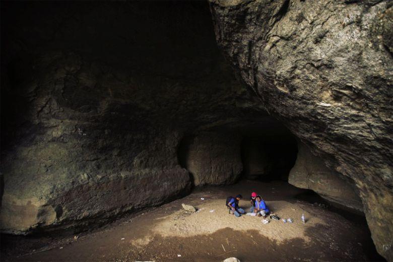13. Пещеры Мегхалая Добравшись до Мегхалая можно заняться исследованием многочисленных пещер, самыми