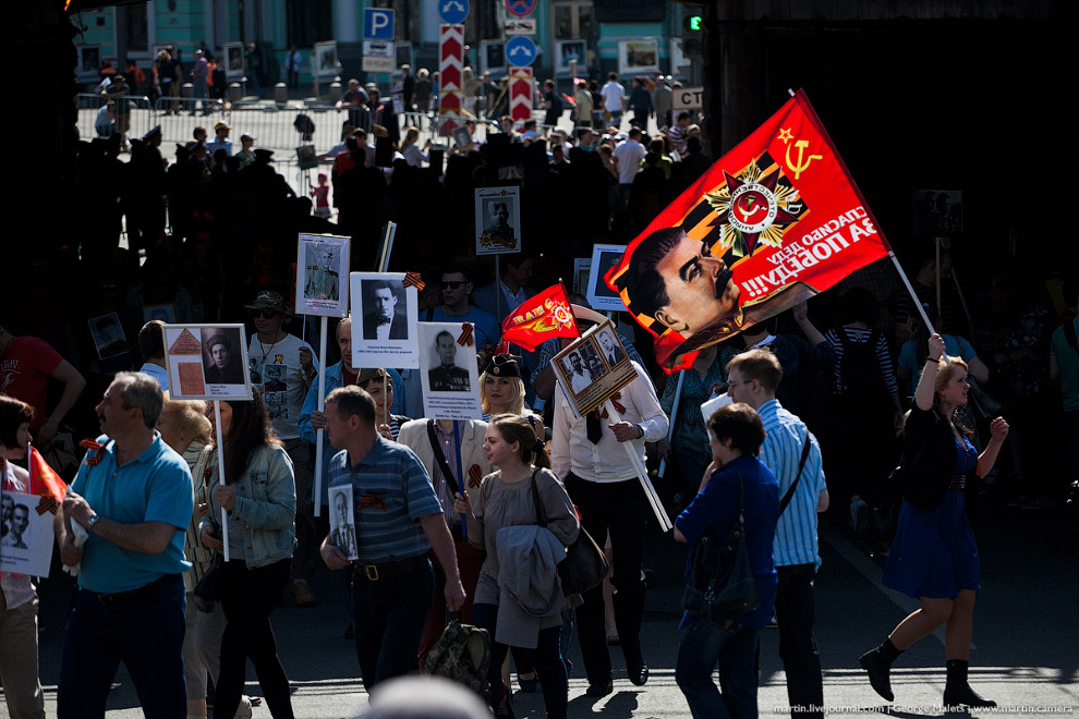 3. В 2012 году в Томске, по центральной улице города прошли более шести тысяч человек, пронеся