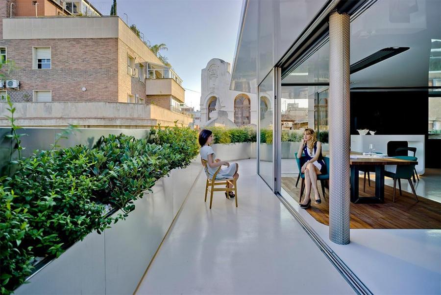5. Испания С этого глянцевого балкона можно любоваться самой историей в виде колокольни Собора Пресв