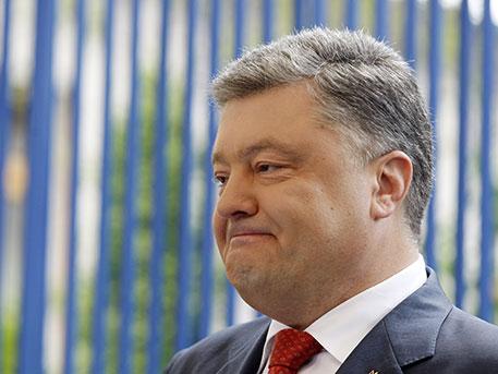 Порошенко заговорил оновых санкциях поКрыму