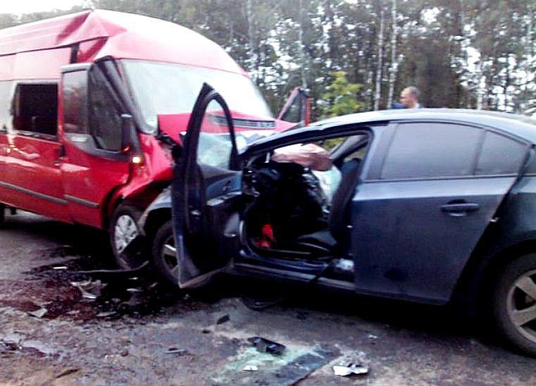 Под Орлом вДТП смикроавтобусом погибли два человека