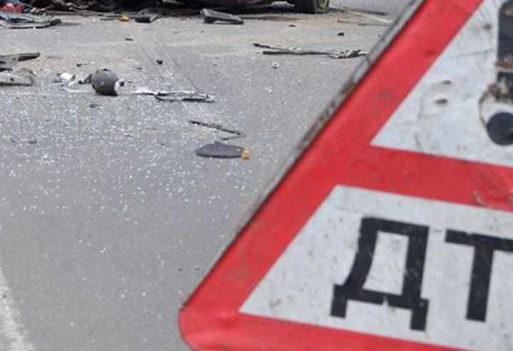 Три человека, включая подростка, ранены вДТП наТополиной аллее вЧелябинске