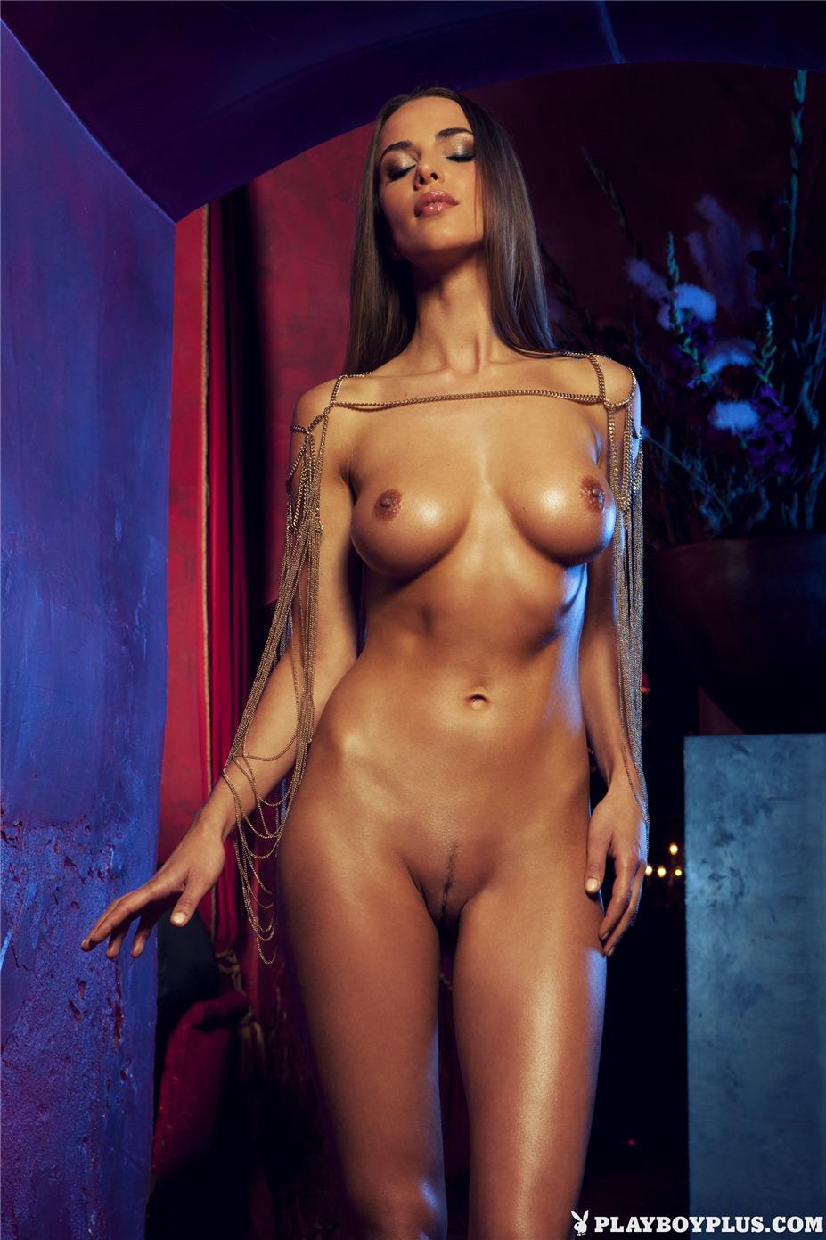 Девушка месяца Линь Бишевол / Lien Biesheuvel - Playboy Netherlands april 2013 playmate