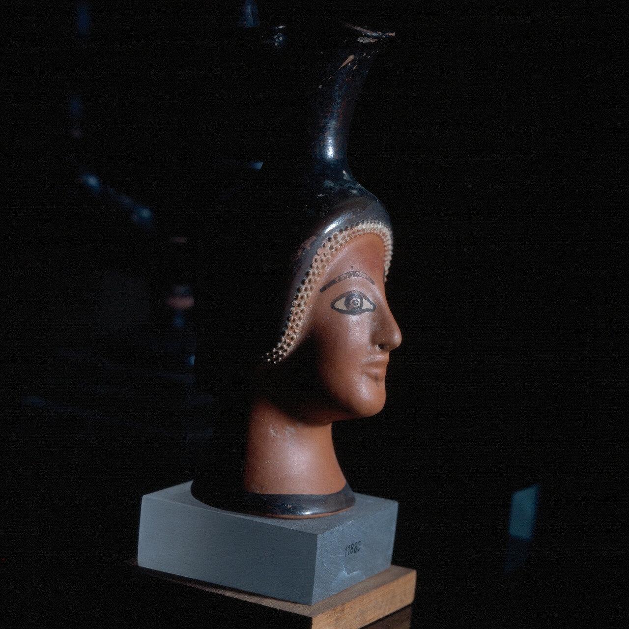 Самос. Археологический музей Вати. Предмет из Гераиона. Начало V в. до н.э.