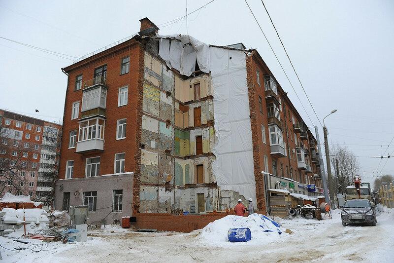 Куйбышева 103 Пермь рухнувший дом после демнотажа и начала восстановления.jpg